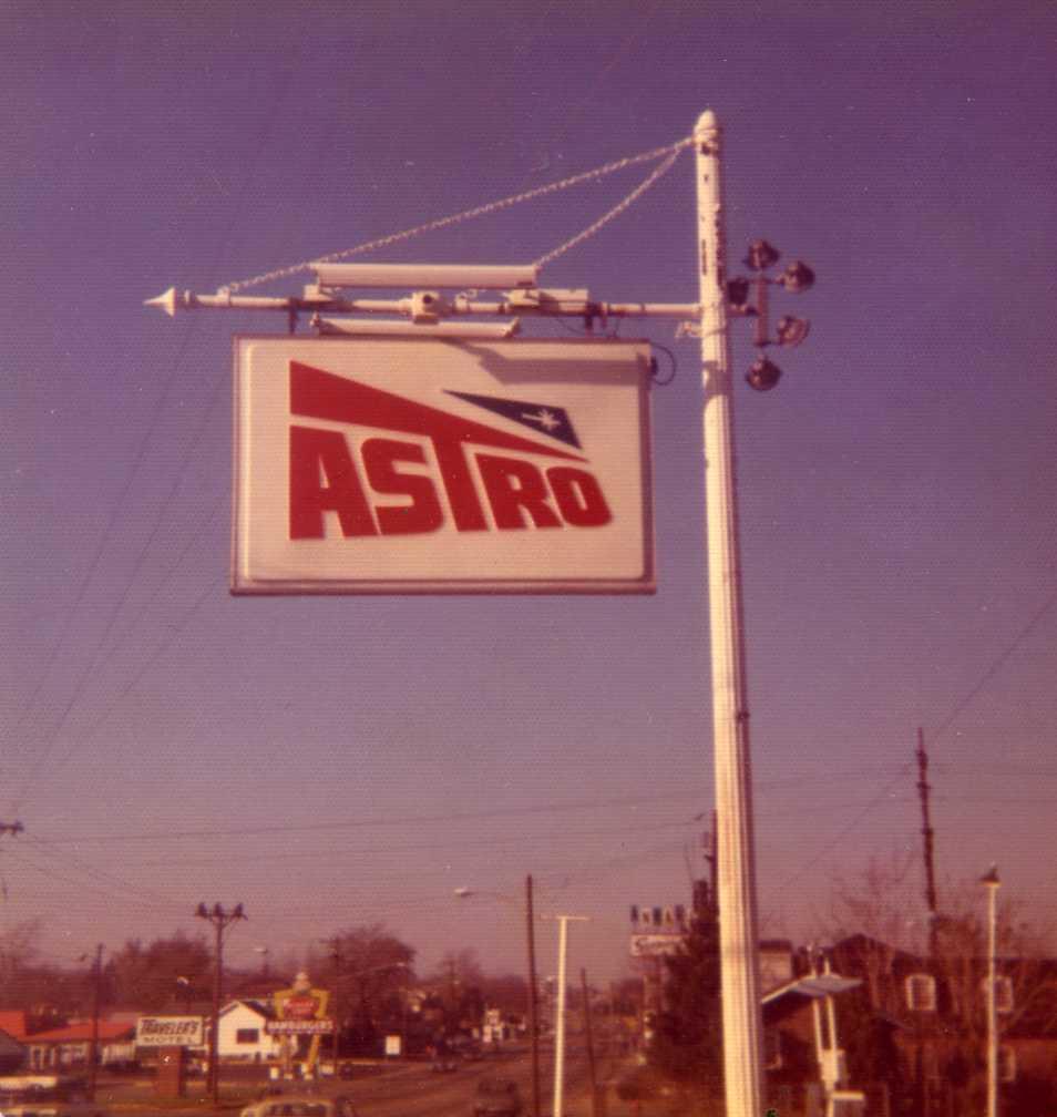 Astro gas station sign, Dayton Ohio 1