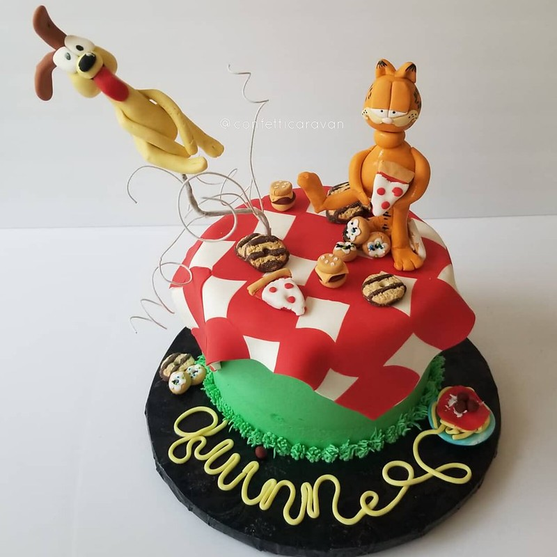 Cake by Cara Wilson of Confetti Caravan