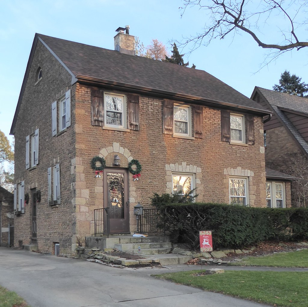 Wheaton, IL, December Walkabout, House