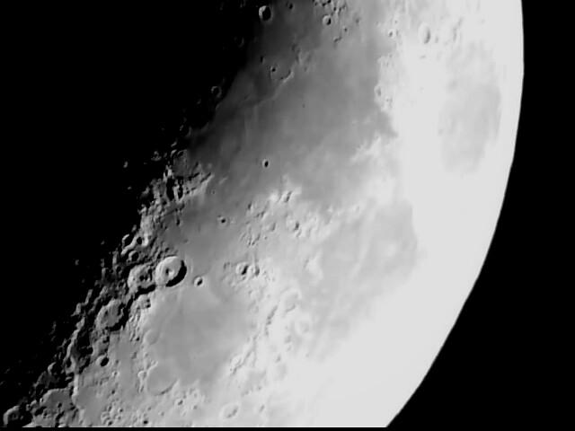 Un trozo de la Luna de anoche (Luna 0001)