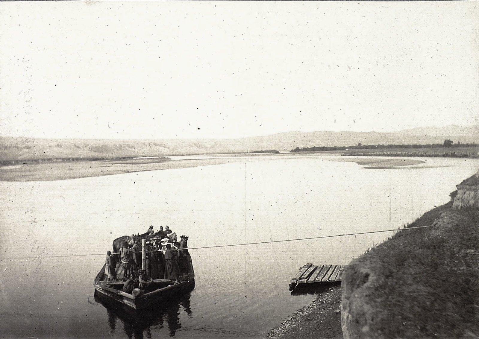 Переправа через реку Иро-Гол.