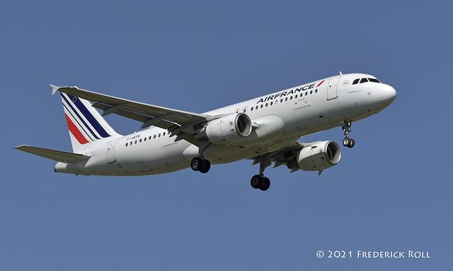 Air France A320 ~ F-HEPE