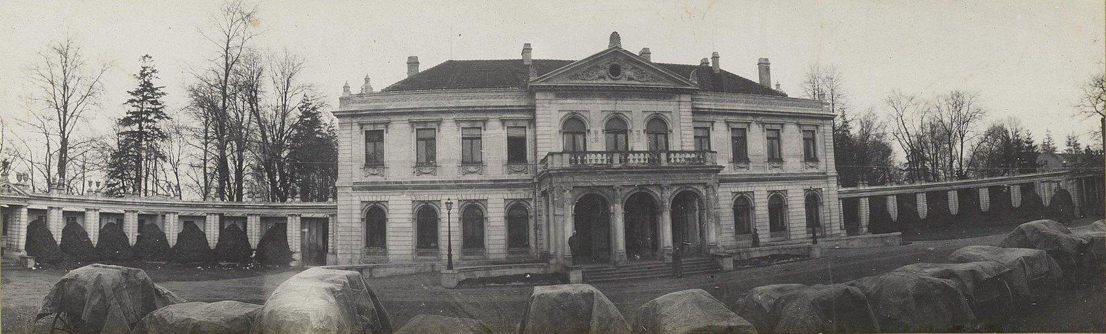 64. Дом помещика Карсского в Незнановицах, где квартировал штаб армии