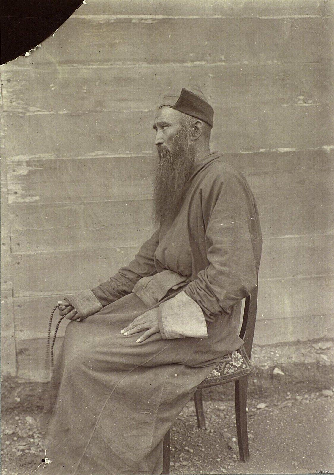 Портрет тибетского ламы