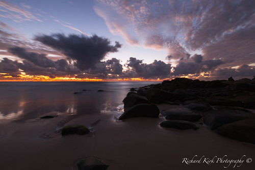 queensland australia coolum bay beach rocks coast goldenhour sunrise dawn landscape seascape clouds sea sand longexposure timeexposure sky view vista