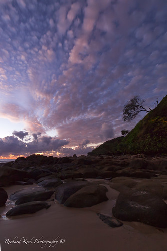 australia queensland coolum bay hill tree sky clouds rocks timeexposure longexposure landscape dawn