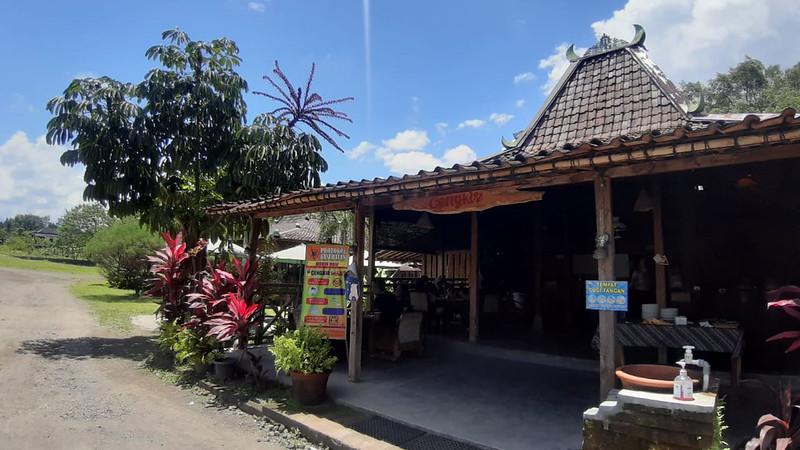 Nikmatnya Mangut Lele Sayur Lompong Cengkir Heritage Resto and Coffe
