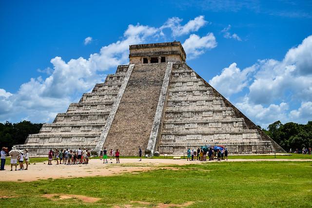 Una piràmide dels maias..............
