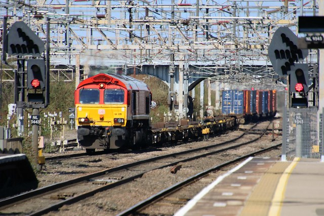 66019 Nuneaton 20210412 Trafford Park to Southampton 4O21