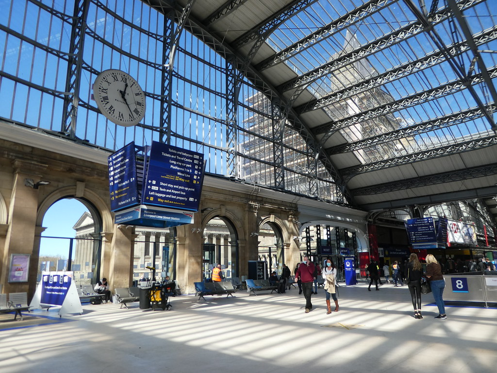 Concourse, Liverpool Lime Street Station