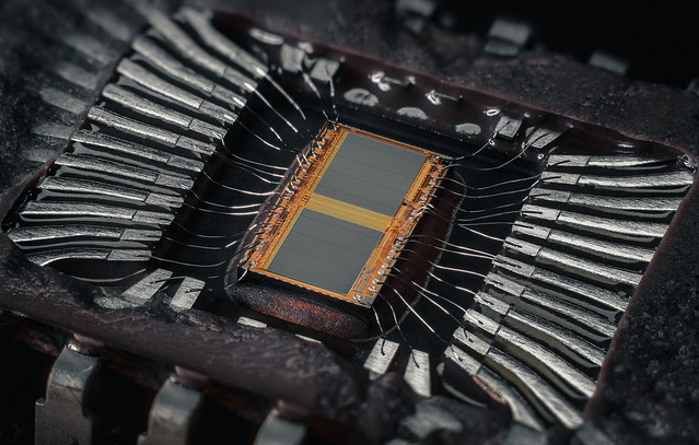 Microchip M27C2001-12F1