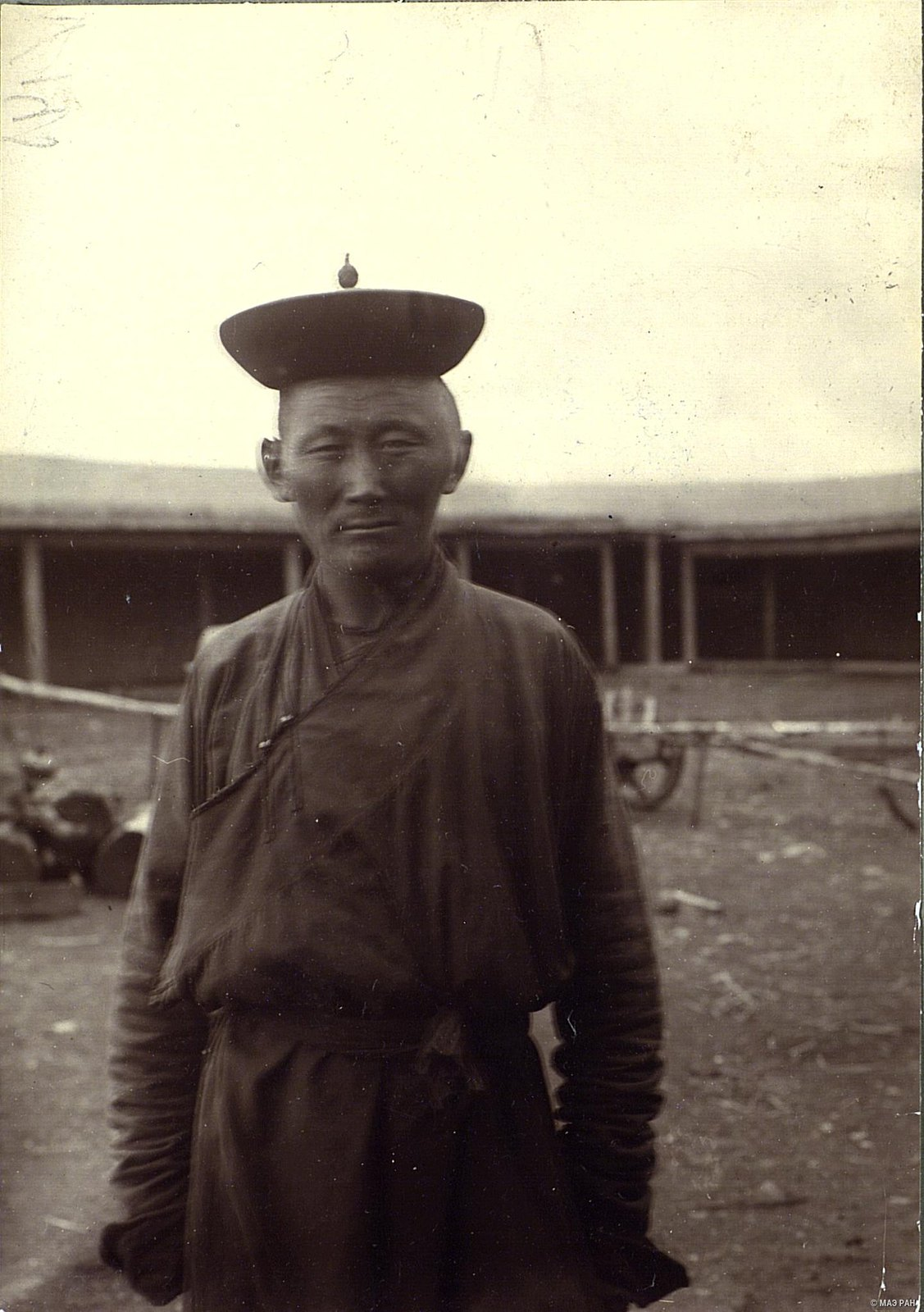 Мужчина в традиционном костюме