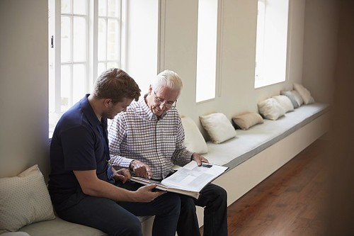 5 Ways to Boost Memory in Seniors Living with Dementia