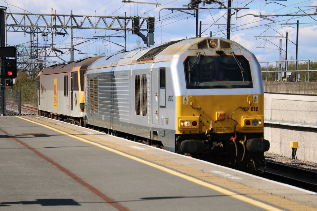 67012 + 92041 Nuneaton 20210412 Crewe to Willesden 0A06