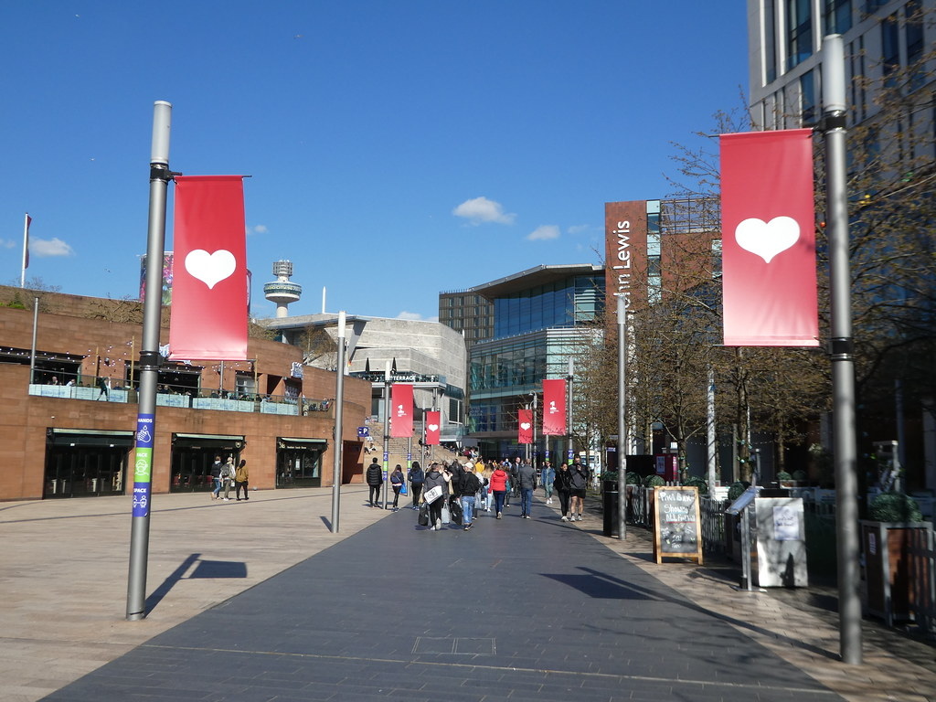 Walkway between the waterfront and Liverpool One