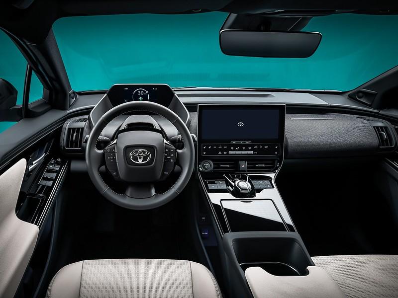 Toyota-bZ4X-Concept-8