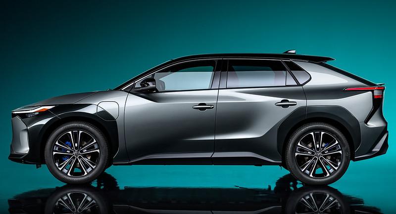 Toyota-bZ4X-Concept-2