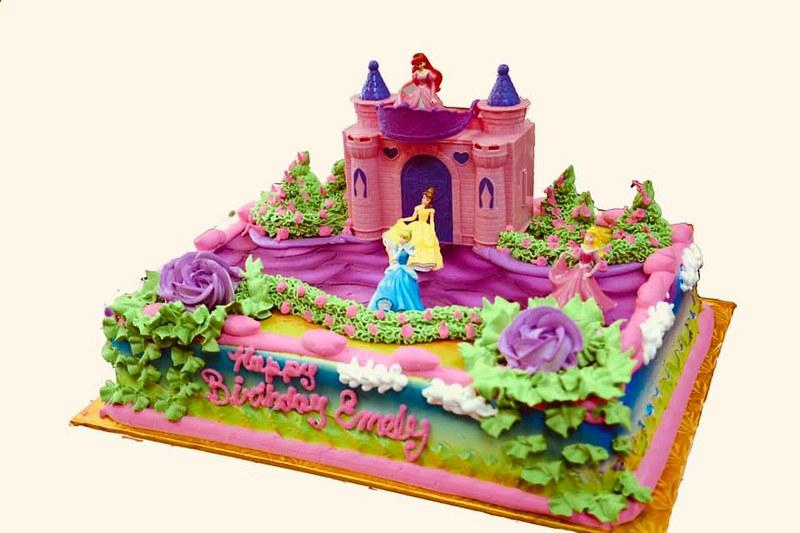 Cake by Dulce Vida Bakery