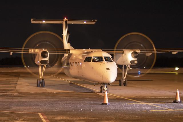 PAL Airline De Havilland Canada Dash8-300 C-GVPA YQB