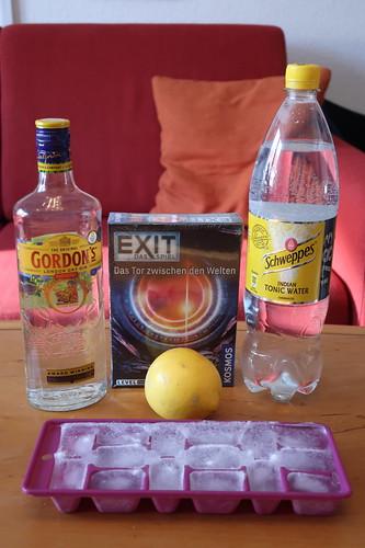 """Zutaten für Gin Tonic und das Escape Game """"EXIT - Das Spiel: Das Tor zwischen den Welten"""""""