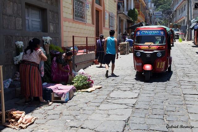 Transporte multicolor - Guatemala