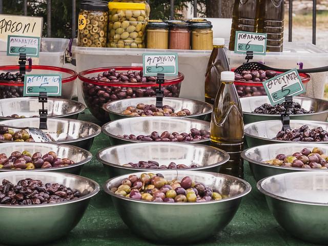 Εικόνες από τη λαϊκή αγορά Λευκάδας