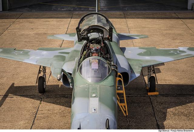 Piloto e F-5EM