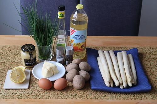 Zutaten für Backofen-Spargel mit Bozner Soße und Salzkartoffeln