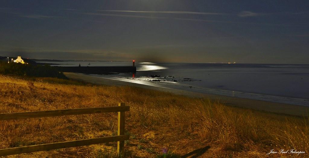 Trescadec by night
