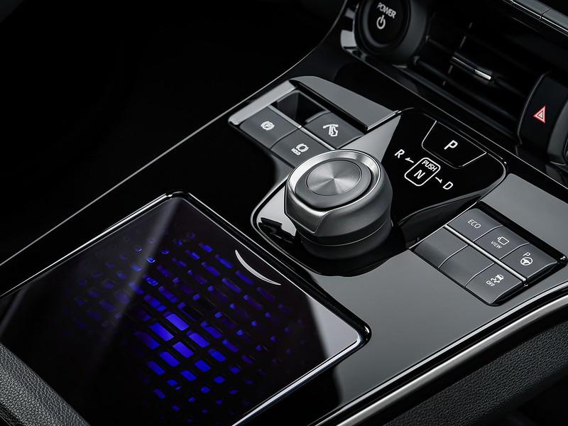 Toyota-bZ4X-Concept-13