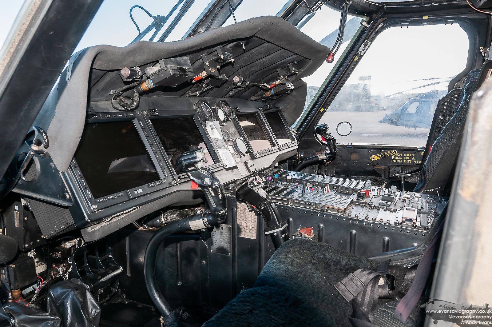 MH-60S Cockpit