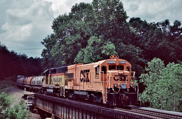 CSXT 9552 in Solway, Tennessee on May 13, 1999.