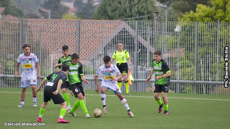 Carmelo Limonelli in una azione di gioco