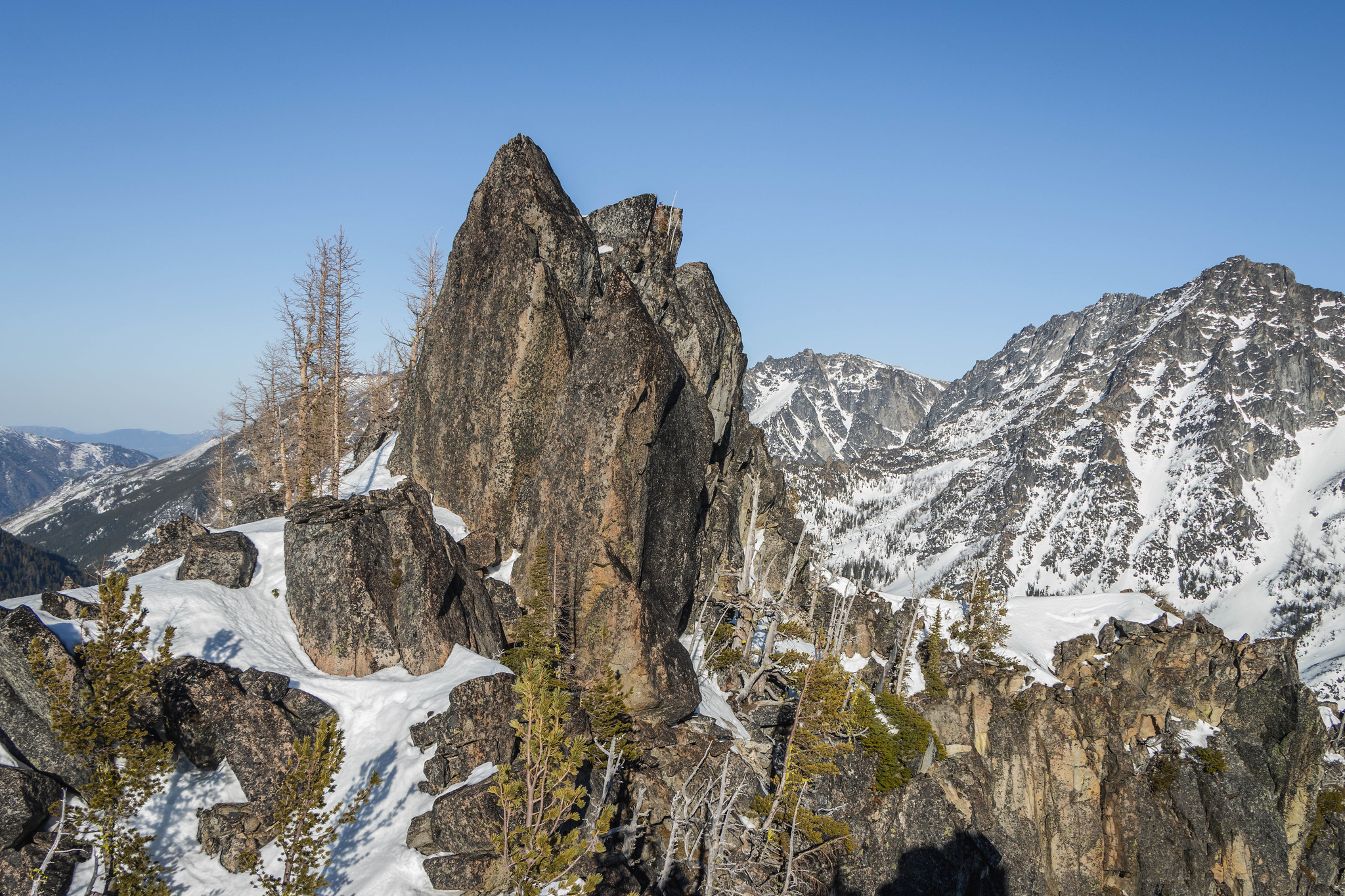 Final ridge traverse on Mountaineer Ridge