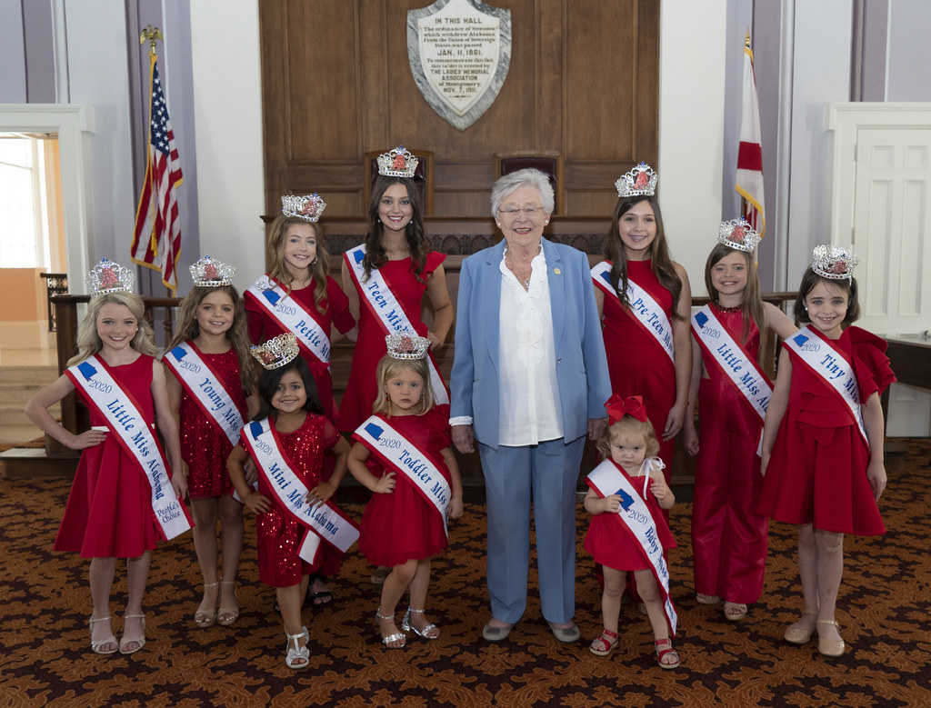 photo op with Little Miss Alabama State Queens