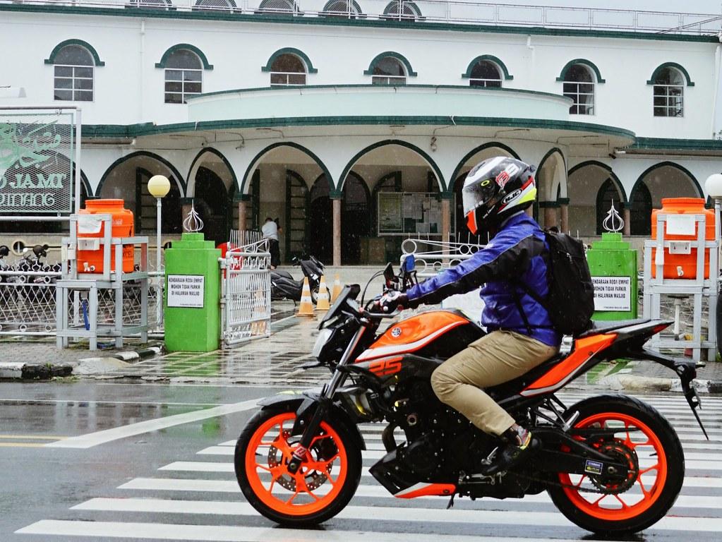 Safety Riding saat berpuasa