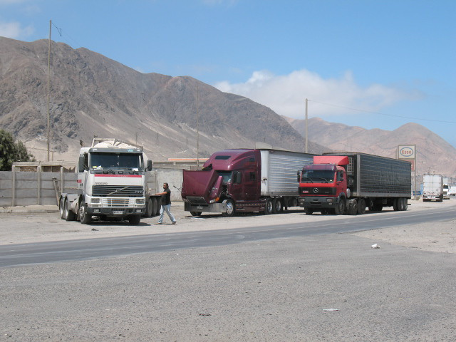 CHILE - CamionesChañaral_Carretera