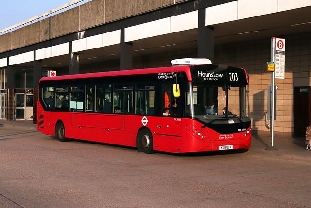Route 203, London United, DXE30355, YX19OLK