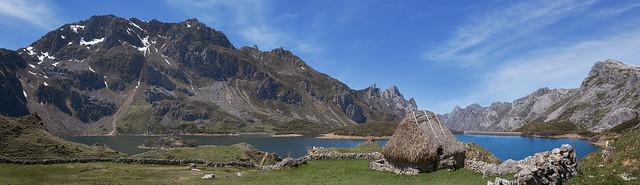 Lago del  Valle - Somiedo (Panorámica de 9 fotos verticales)