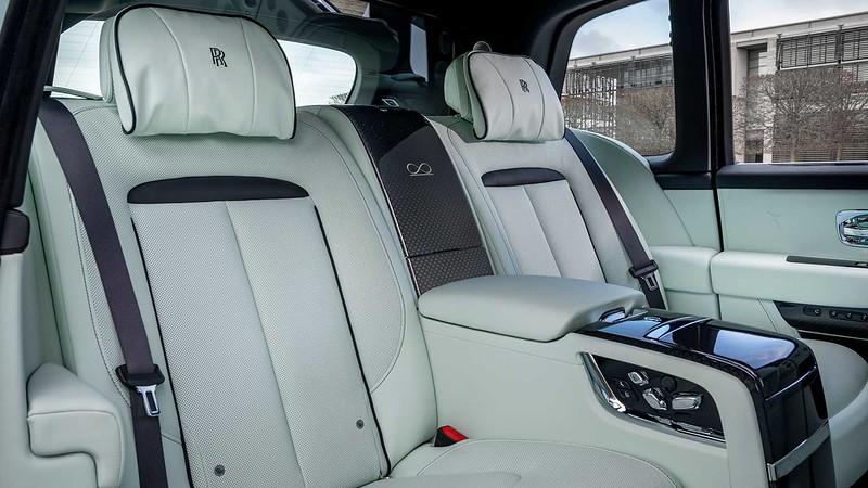 rolls-royce-cullinan-black-badge-mid-century-modern-rear-seats