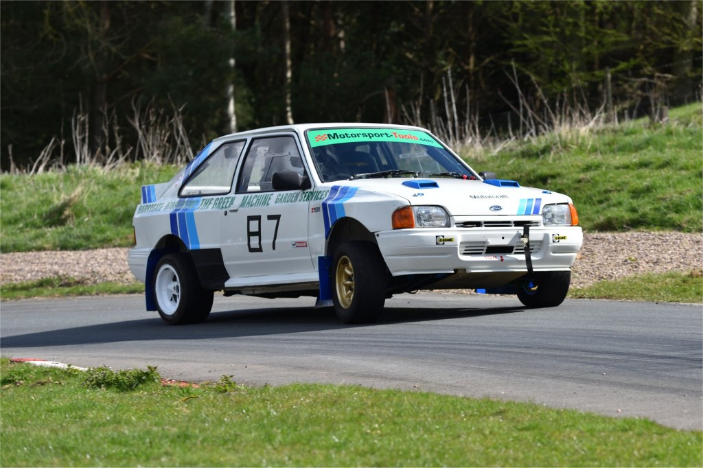 Steven Bussey, Ford Escort at Harewood (JCB Photography)