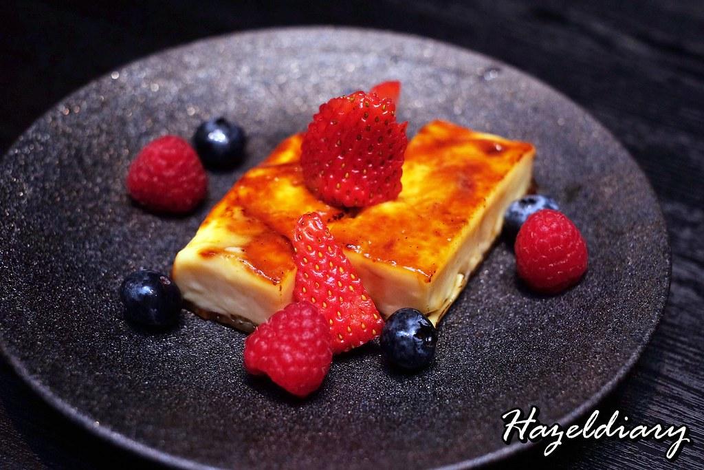 Sen-ryo-Cream Catalan with Mixed Berries