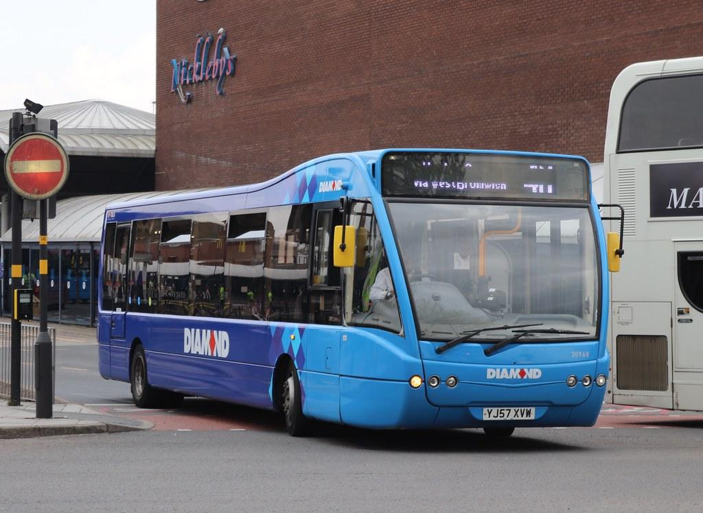YJ57XVW Optare V1110 Versa - Diamond Bus