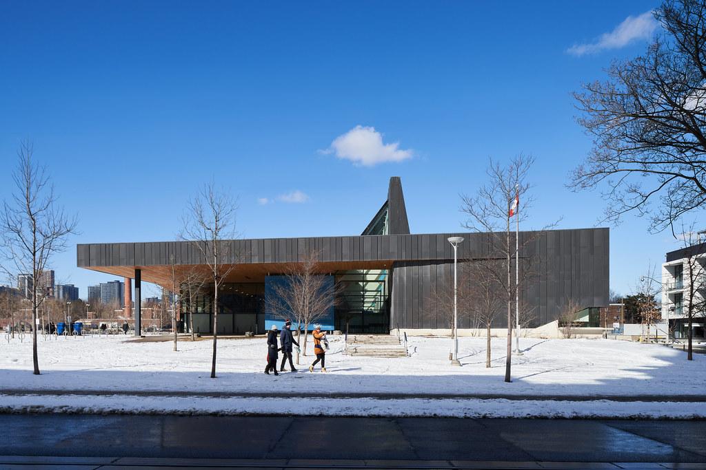 Regent Park Aquatic Centre 01