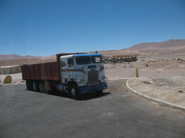 CHILE - Camiones_Carretera Panamericana
