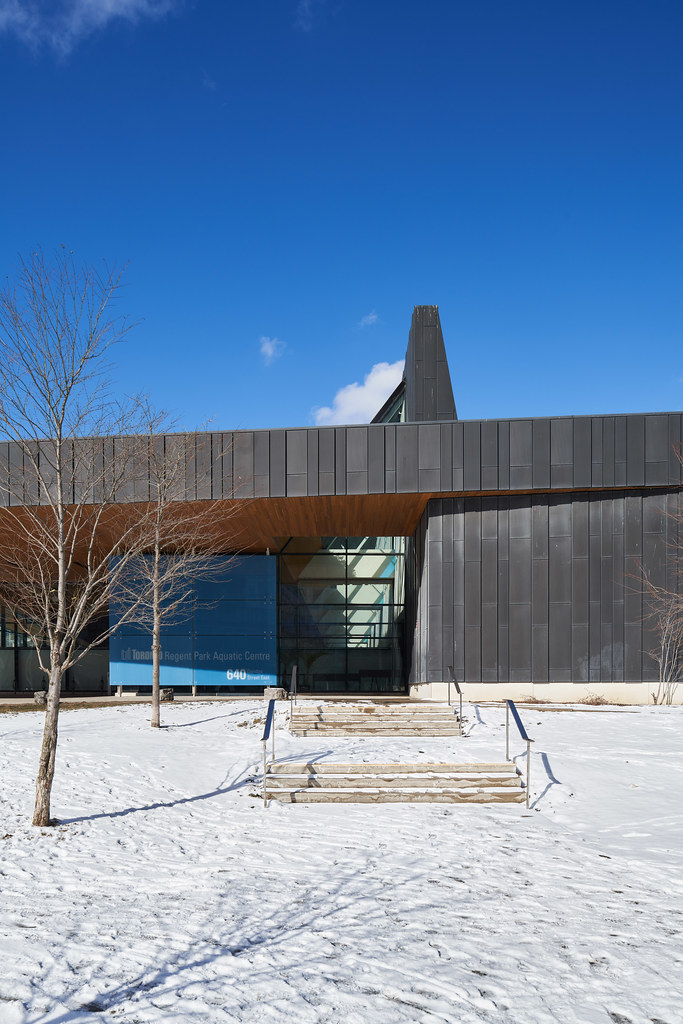 Regent Park Aquatic Centre 02