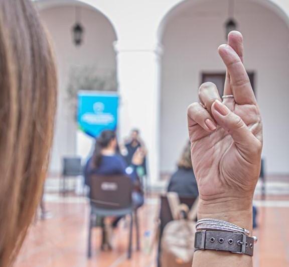 Empleados municipales se capacitan en lengua de señas
