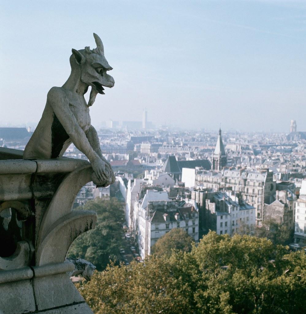 10. Горгульи на соборе Парижской Богоматери