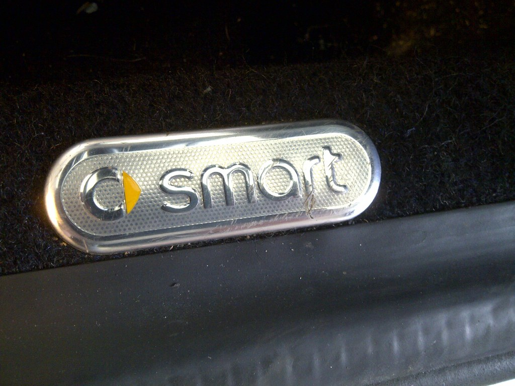 Smart Roadster door badge