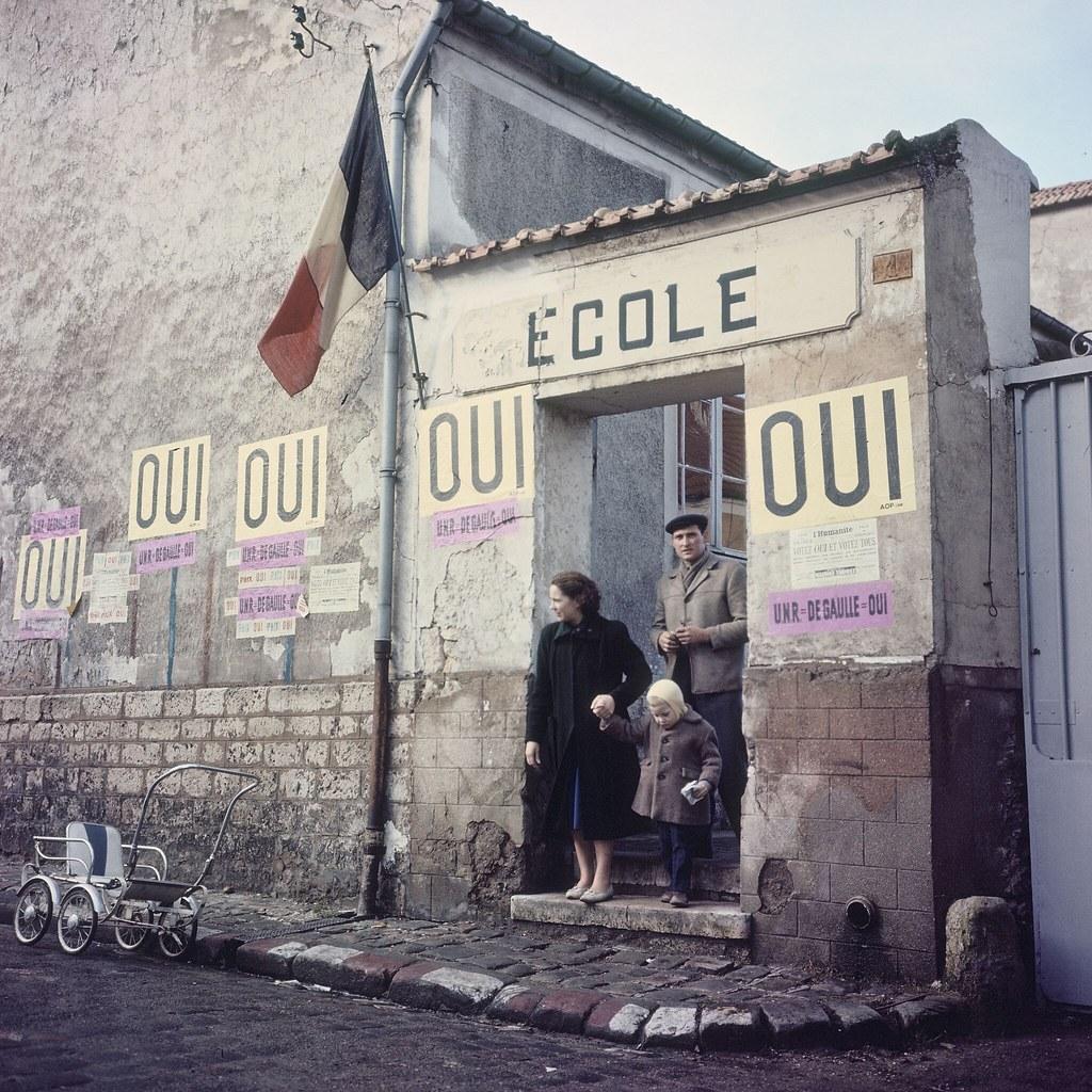20. Избирательный участок в Париже